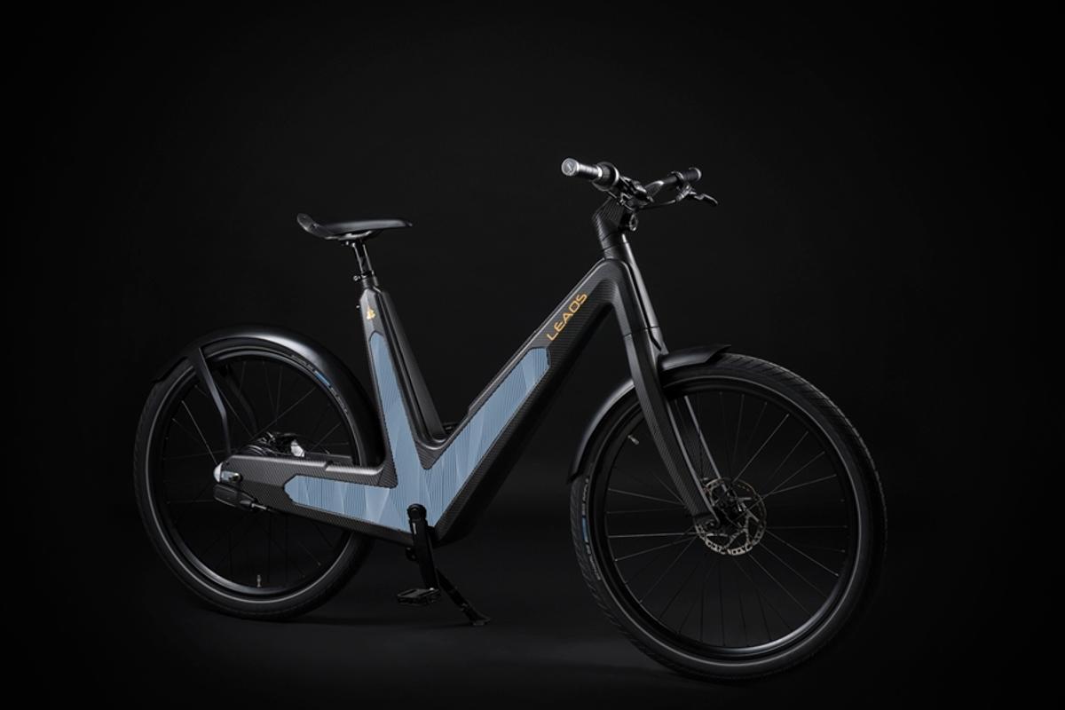 The Leaos Solar e-bike sports side-mounted ultrathin photovoltaic panels