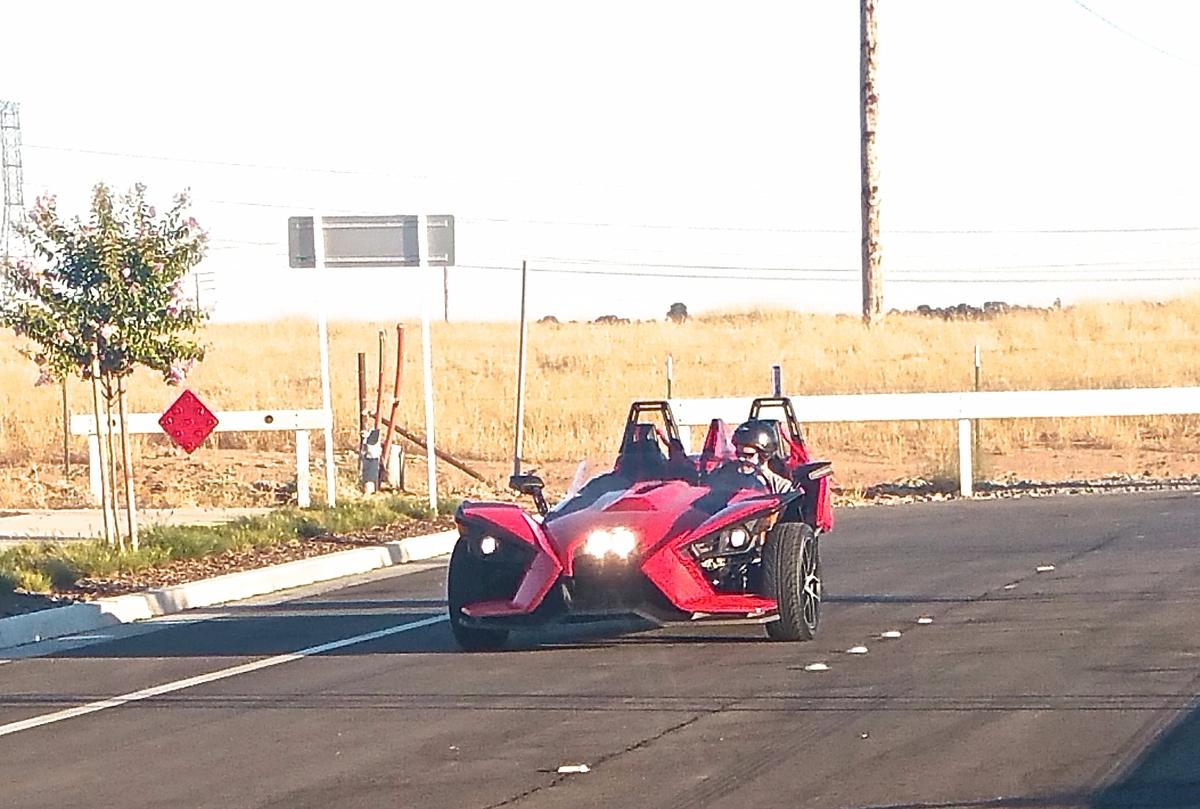 The Slingshot features dual sets of LEDlights that come on automatically when you start the vehicle