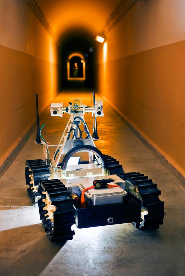 Sandia's Gemini-Scout Mine Rescue Robot is designed to speed mining accident rescue efforts (Image: Randy Montoya)