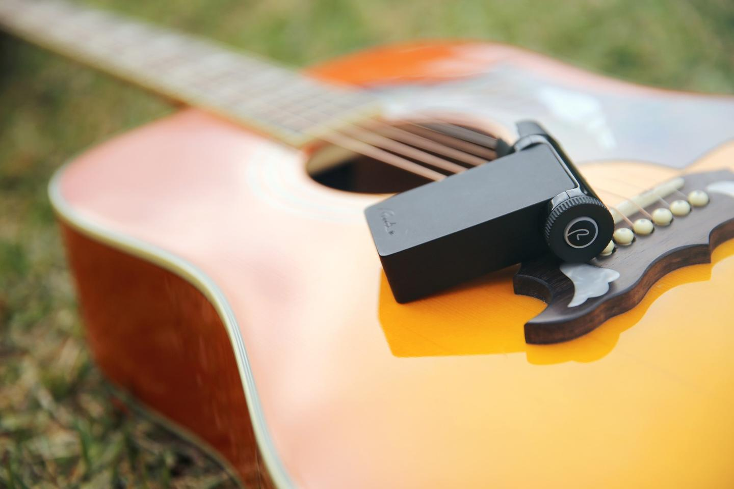 The Roadie 2 can be used to tune electric, acoustic, classical or steel guitars, as well as 7- and 12-string guitars, ukuleles, mandolins and banjos