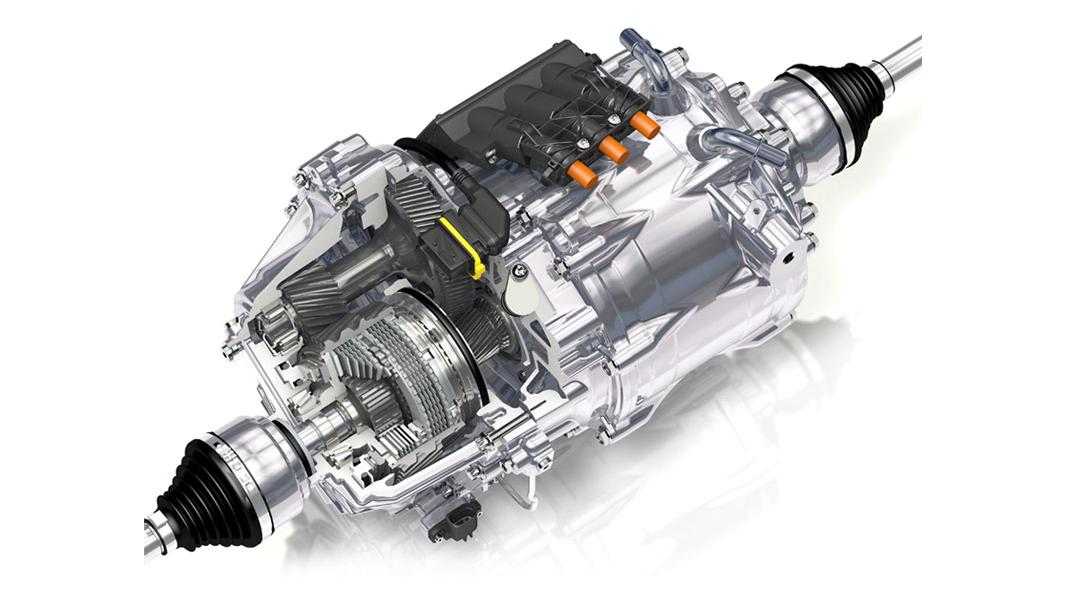 With ratios, a total production of 2,400 Nm (1,770 lb-ft) of torque is sent through the dual-clutch eTwinster system