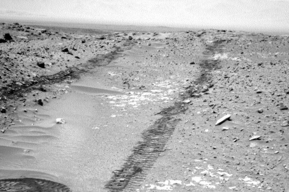 "Curiosity looking up the ramp at the north-eastern end of ""Hidden Valley"" (Image: NASA/JPL-Caltech)"