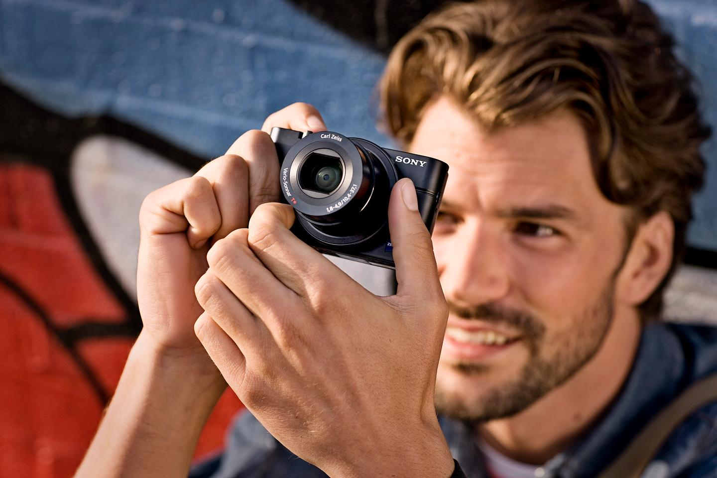 """The sensor in the RX100 is around four times larger than the 1/2.3""""-type used in many point-and-shoot cameras"""