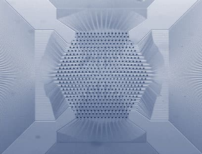 The 519-electrode array developed by Dr. Mathieson and Dr. Gunning at the University of Glasgow's James Watt Nanofabrication Centre