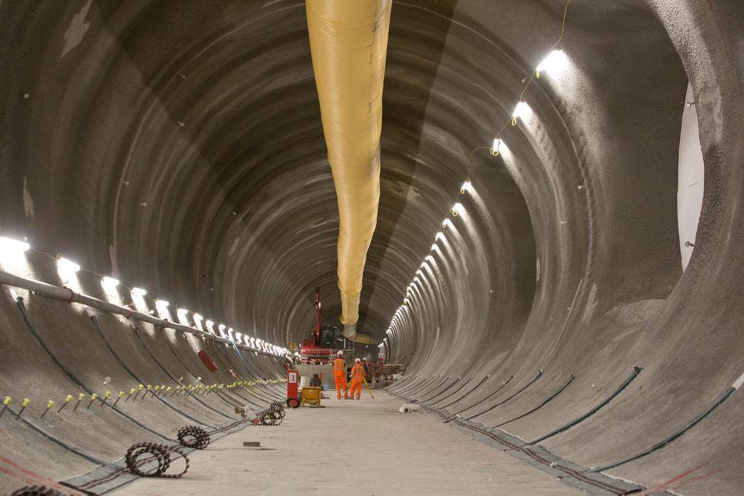Bond Street station platform tunnels