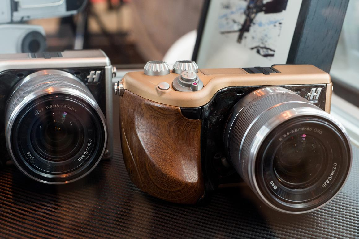 """The Hasselblad Lunar had been designed as an """"ultimate luxury"""" mirrorless interchangeable lens camera"""