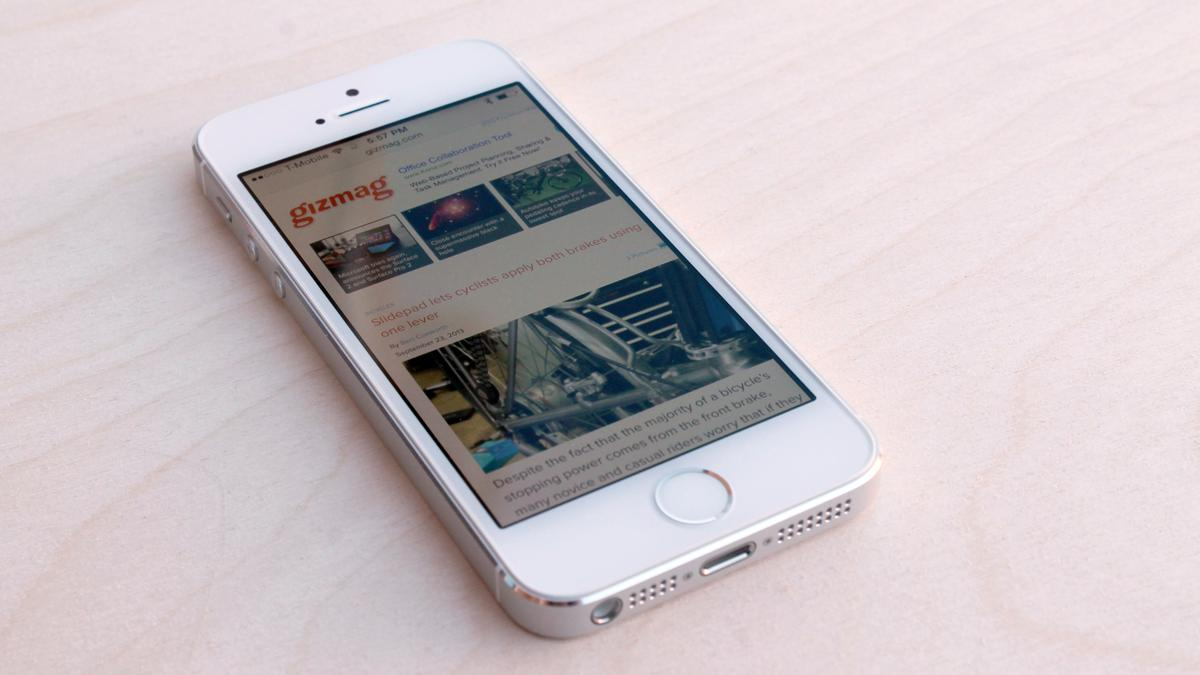 """Gizmag reviews Apple's iPhone 5s, the latest iterative """"S-series"""" update out of Cupertino"""