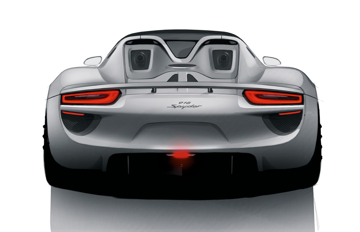 Despite its wealth of horsepower, Porsche estimates that the 918 Spyder will consume just 3.0 L/100 km