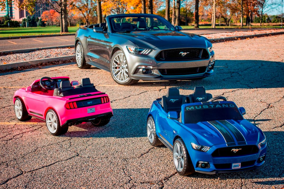 Before hitting the market in December, the Smart Drive Mustang is making an appearance at the 2016 LA Auto Show