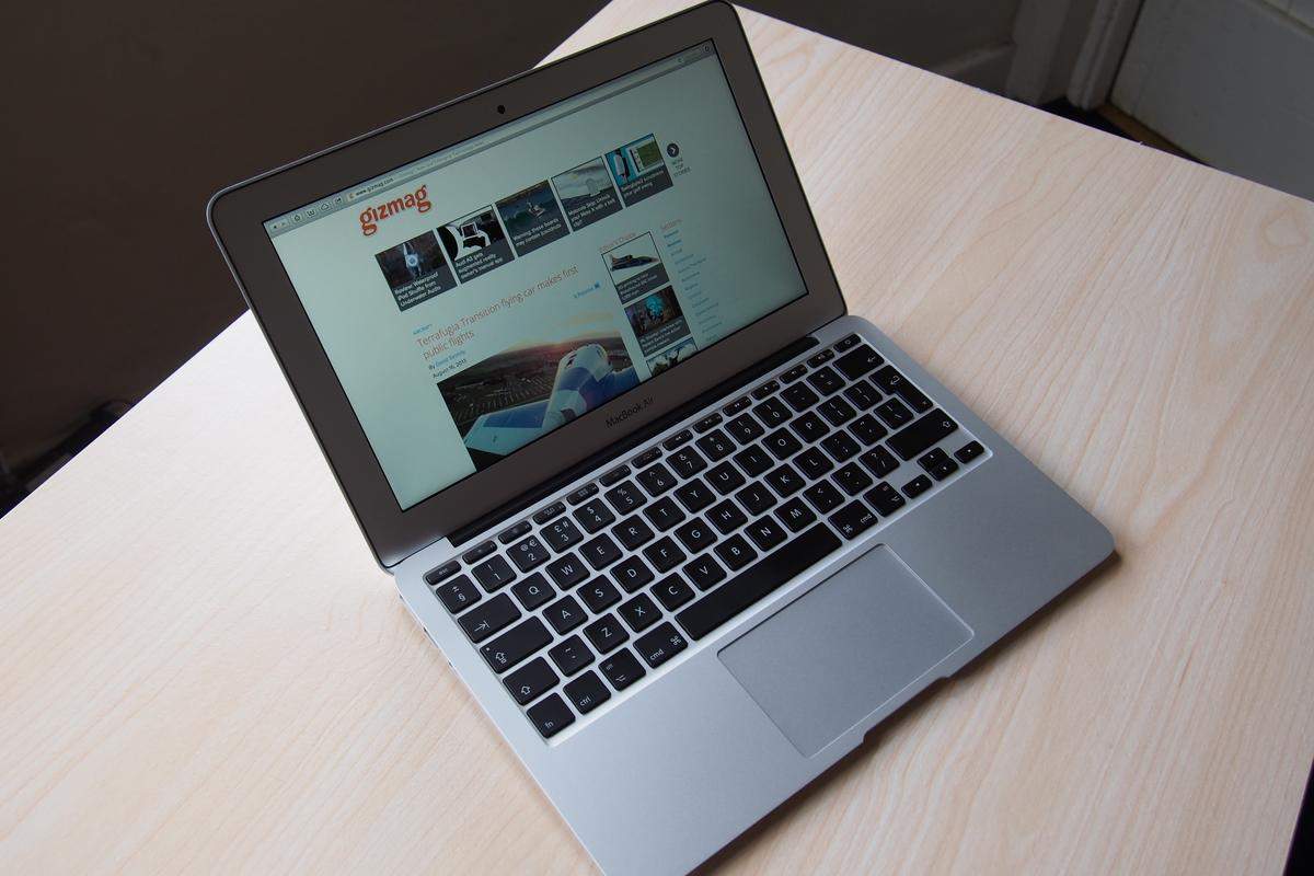 Gizmag reviews the latest model 11-inch MacBook Air