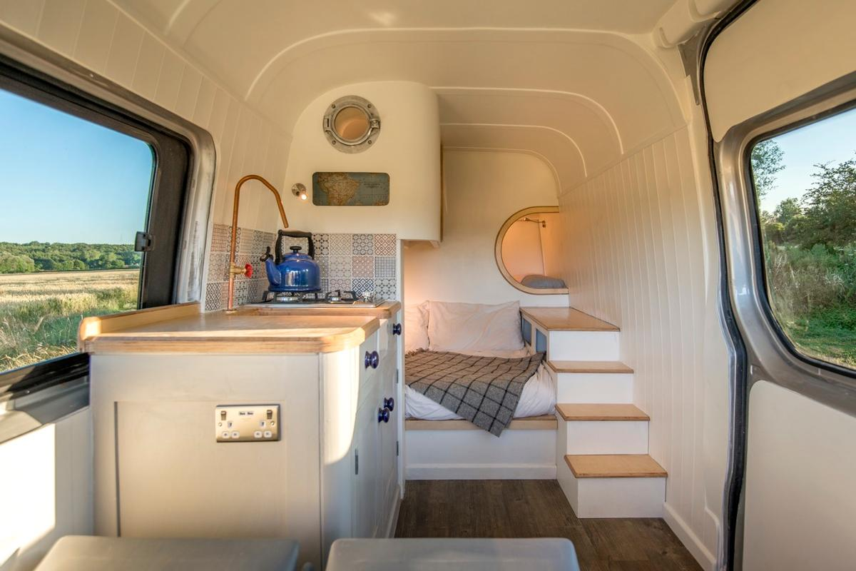 Jack Richens andhis girlfriend Lucy havesuccessfully converted a second-hand2012 Mercedes Benz Sprinter into a stunning campervan in under 600hours
