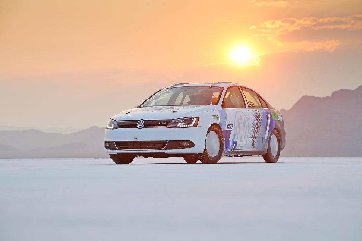 Volkswagen has announced that a modified version of its 2013 Jetta Hybrid has become the fastest hybrid in the world