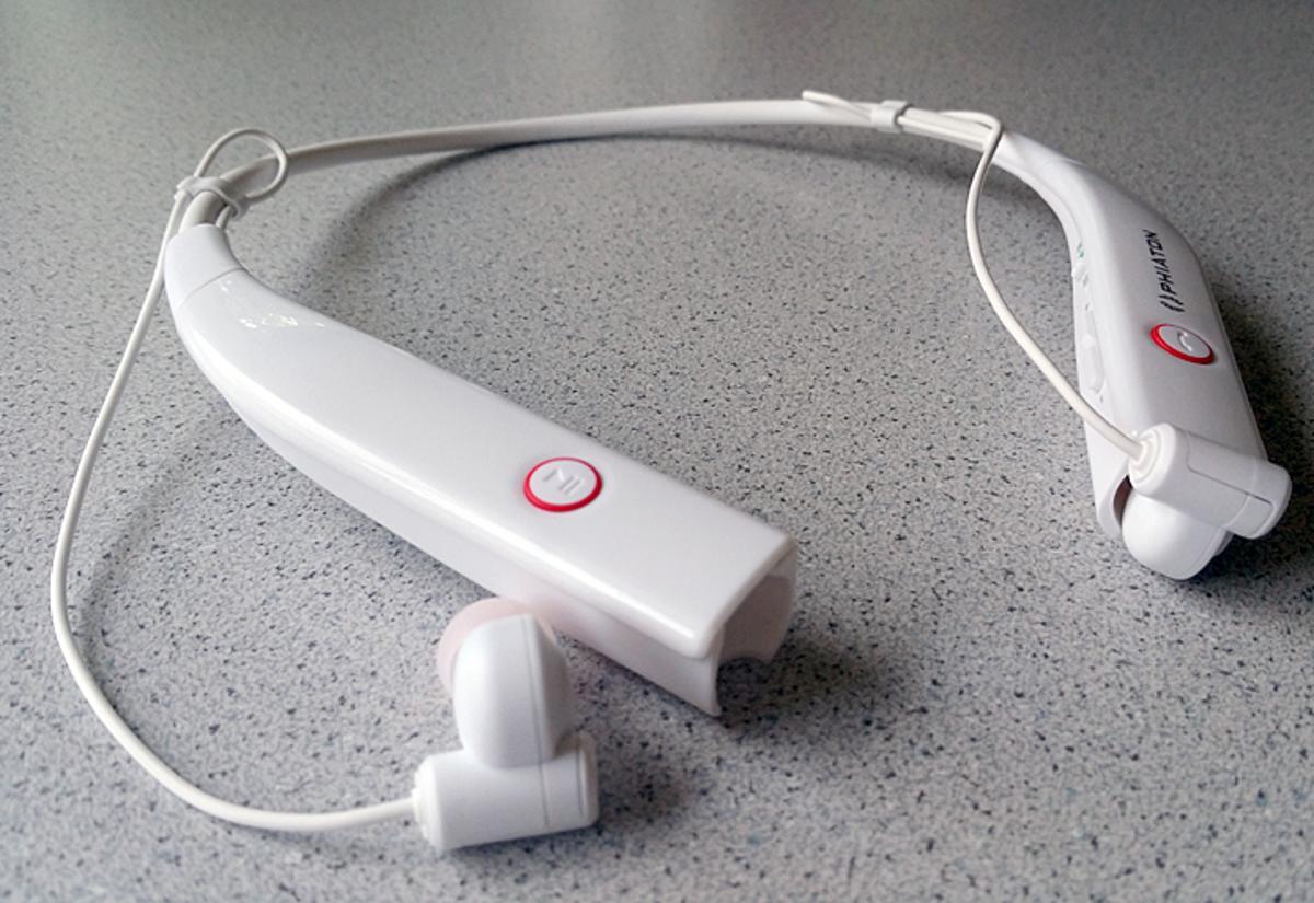 Gizmag review for the Phiaton BT 100 NC earphones