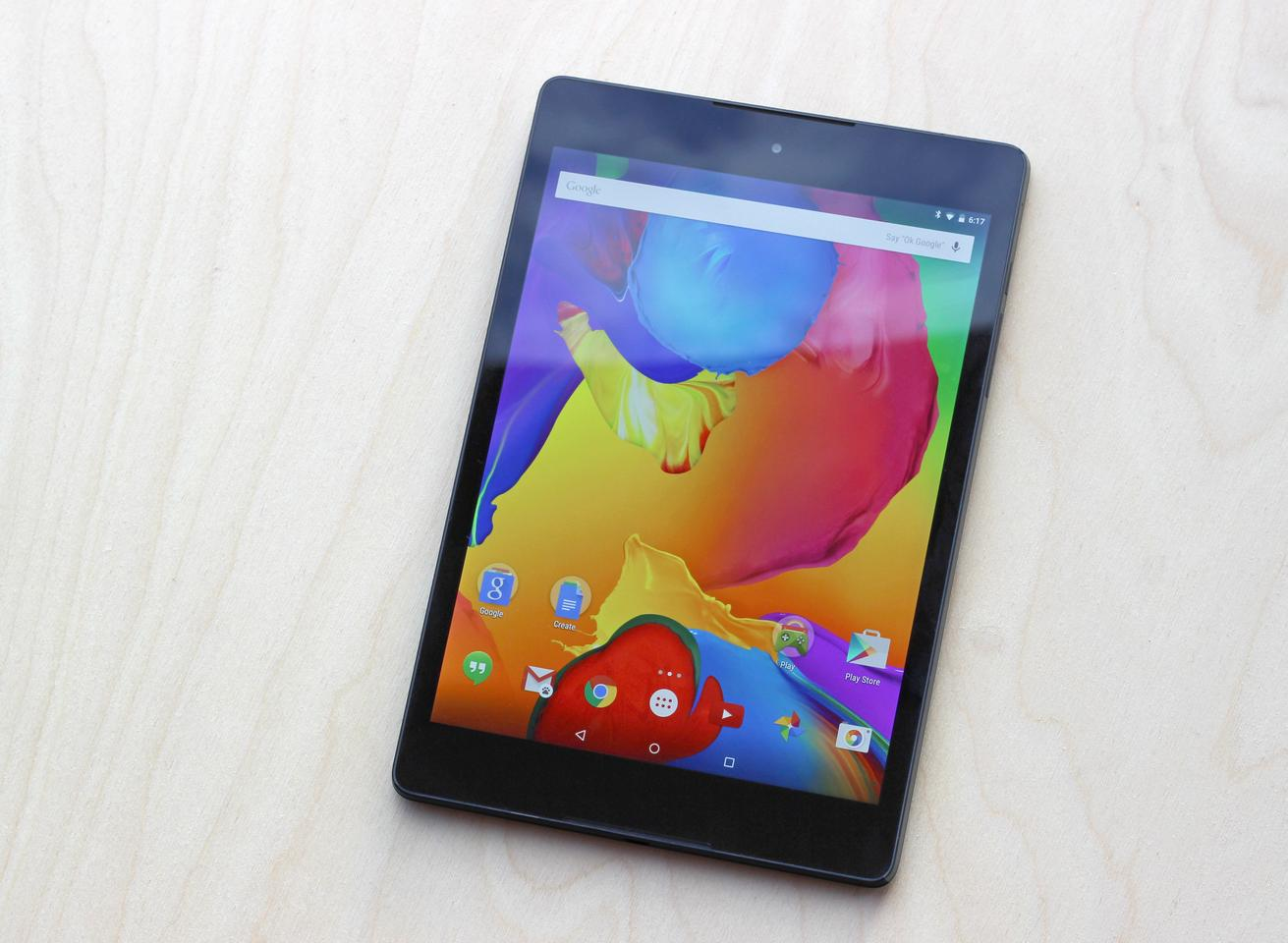 The Nexus 9, with its mid-sized 8.9-in display (Photo: Will Shanklin/Gizmag.com)