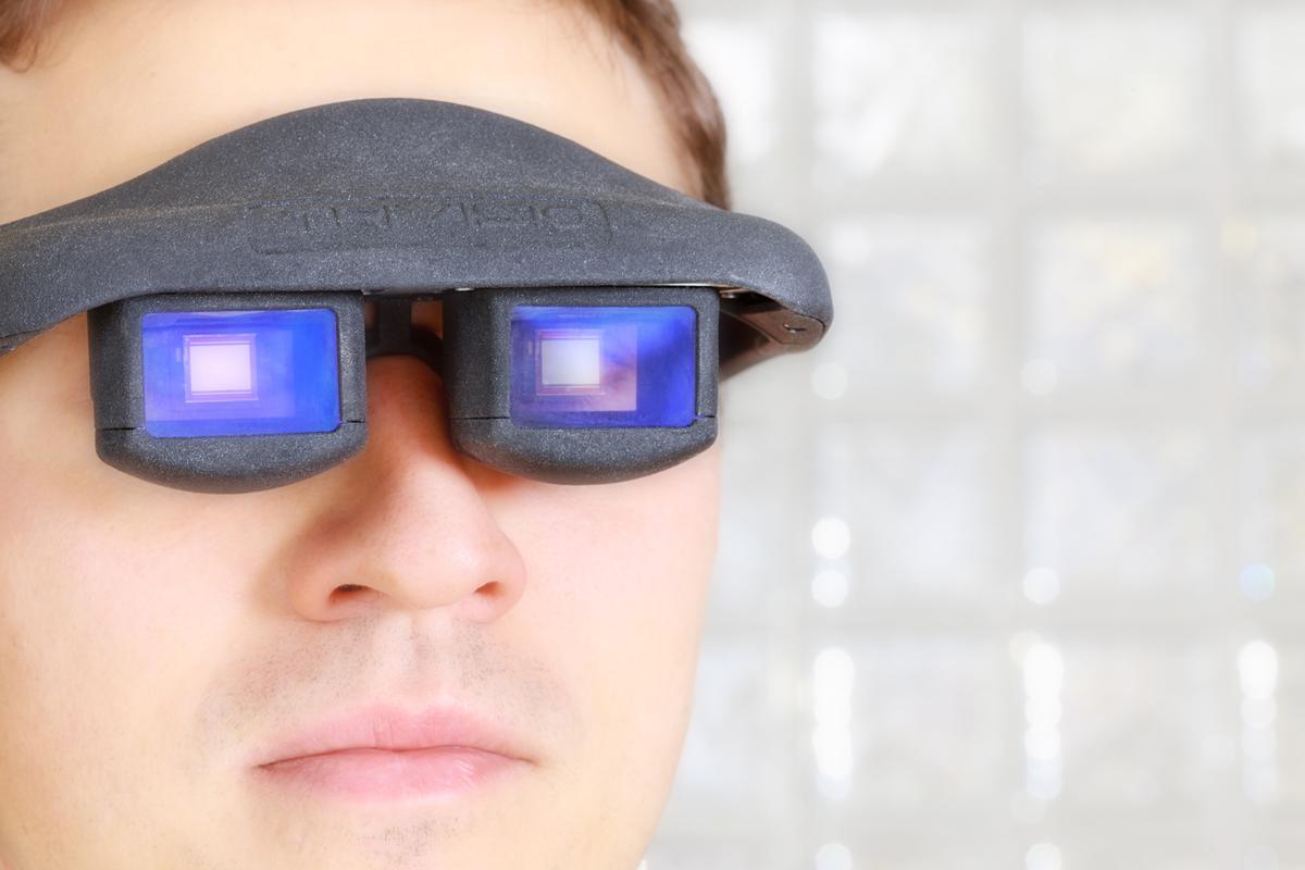 Fraunhofer's OLED data glasses