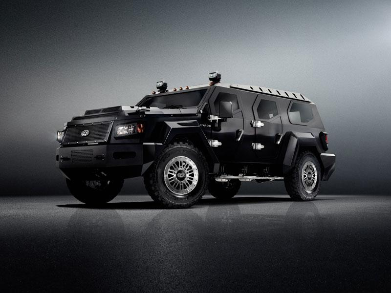 The Evade's greater style was heavily influenced by the armored Knight XV, and in turn, its subtle changes will find their way to the next Knight XV