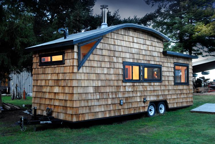 The Curved 260 Micro Home is currently for sale and priced at CAD 90,000 (US$71,221) (Credit: Jenn Walton)