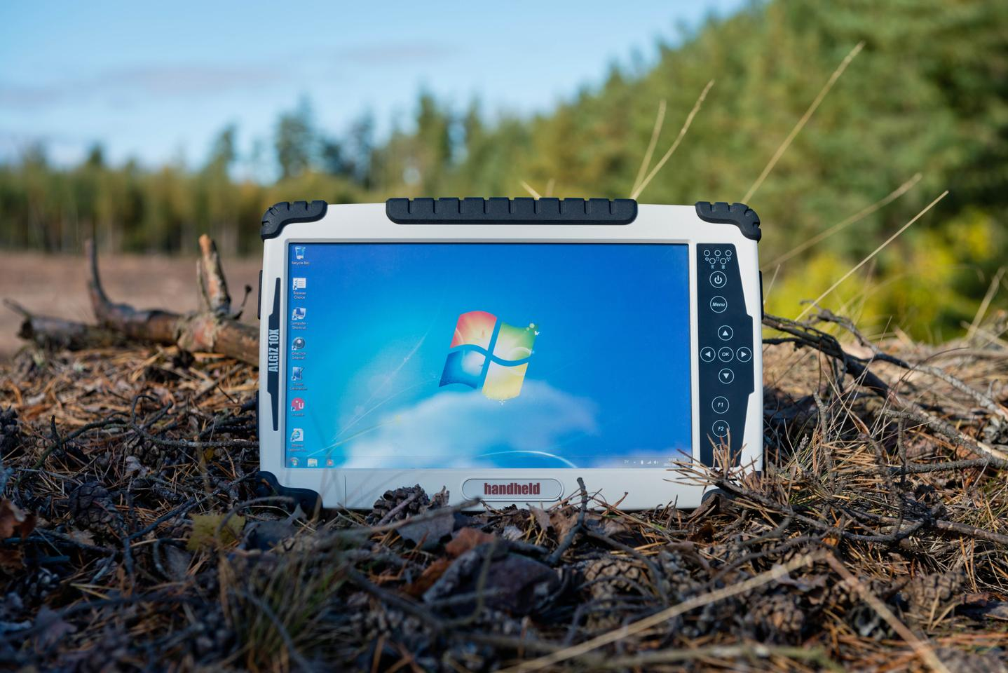 Sweden's Handheld Group has launched a rugged 10.1-inch tablet for field professionals called the Algiz 10X