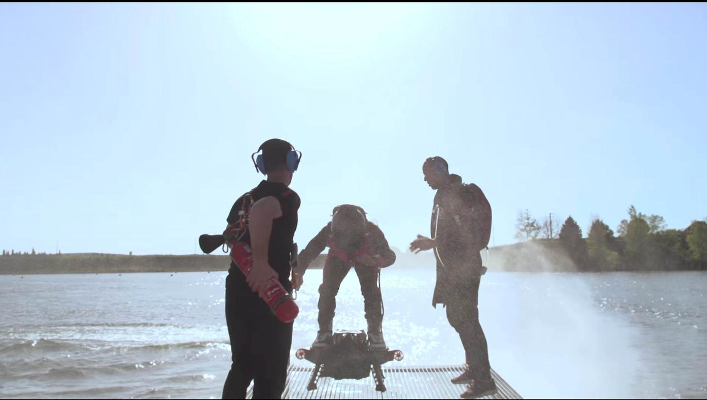 Fake staged takeoff and landing sequences in the video give us the impression that Flyboard Air is an ugly machine to get off the ground, or back on.