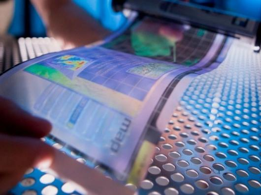 A flexible electronic display is rolled out at ASU's Flexible Display Center