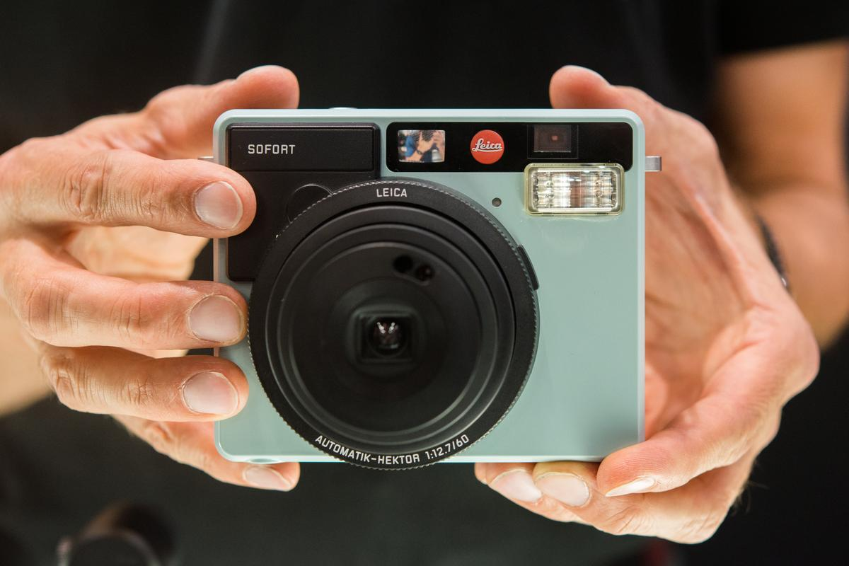 We spend a bit of hands-on time with theLeica Sofort instant camera