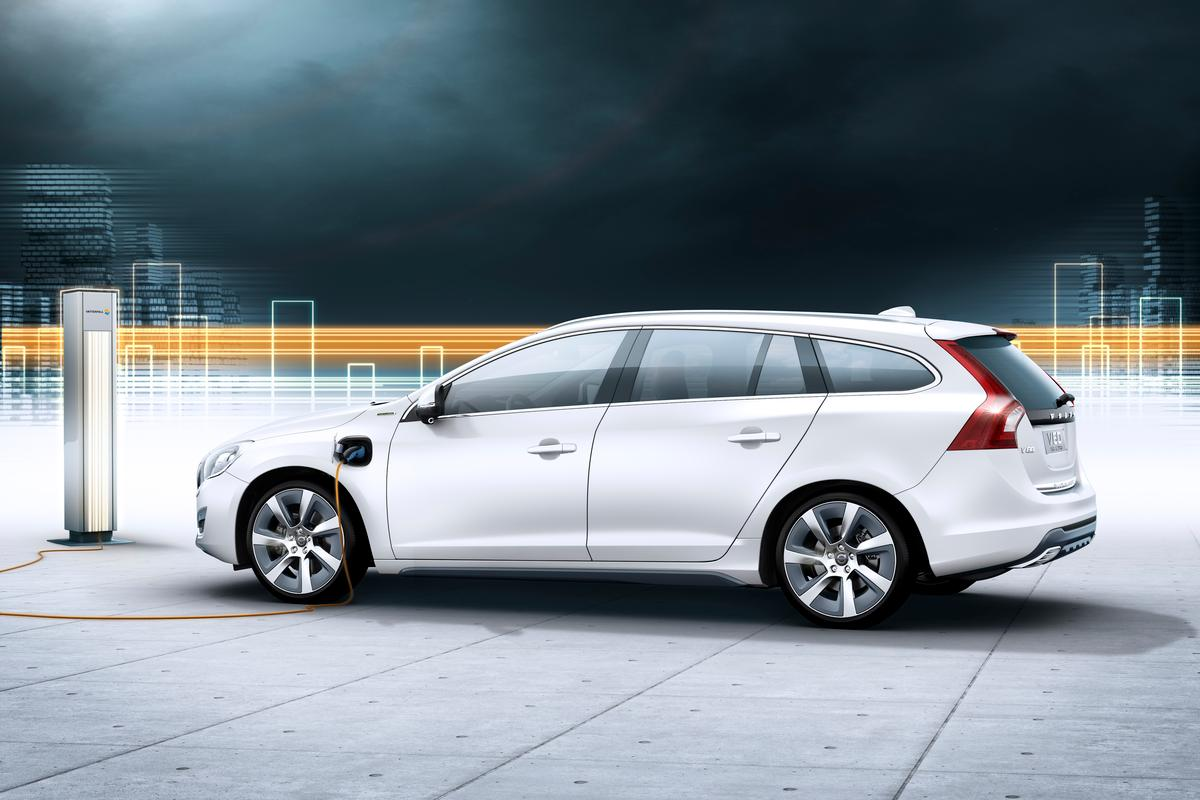 Volvo plans to launch the V60 diesel plug-in hybrid in 2012
