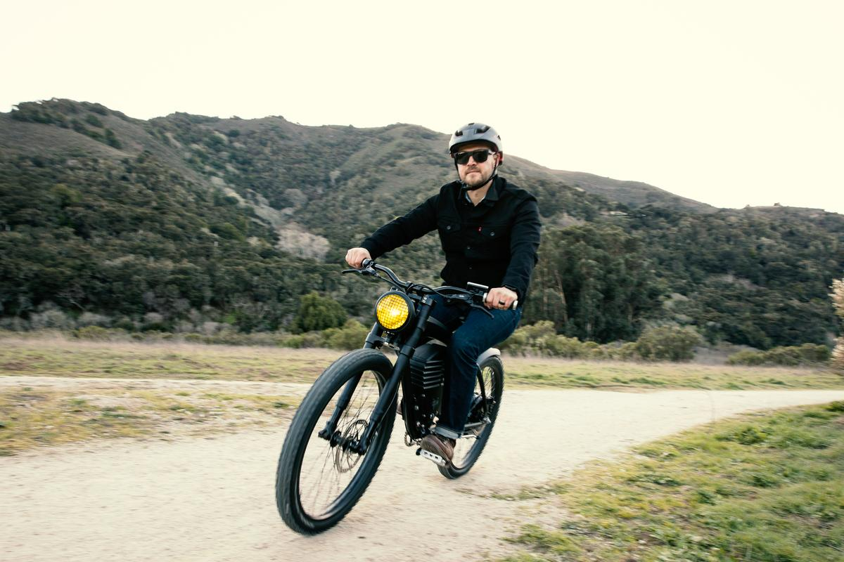 The new Vintage Scrambler S is made for e-biking road, dirt and gravel