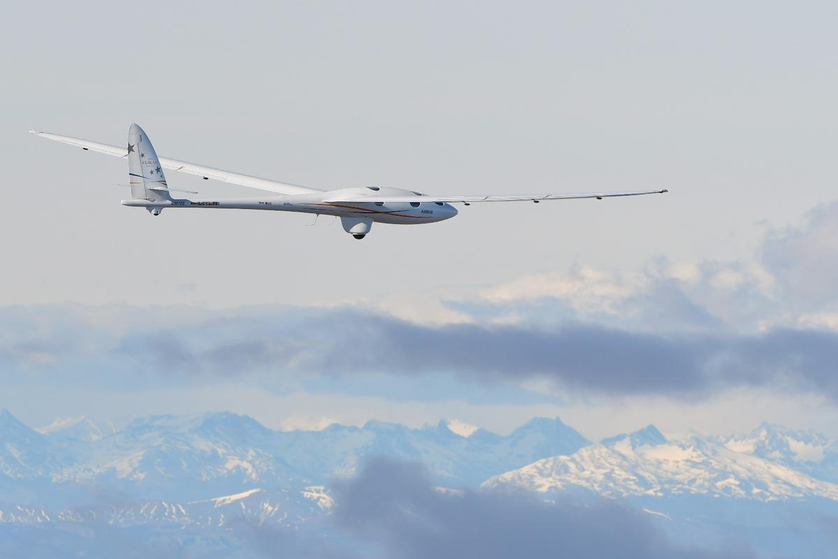 Perlan II is being tested for a new glider high altitude record attempt