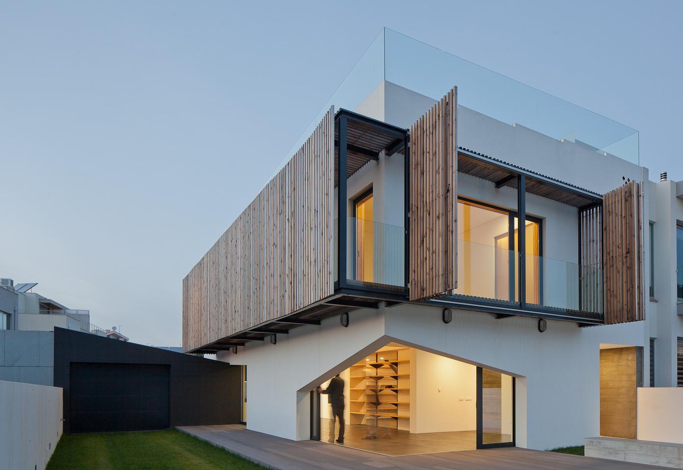 The Miramar House, by E348 Arquitectura (Photo: José Campos)