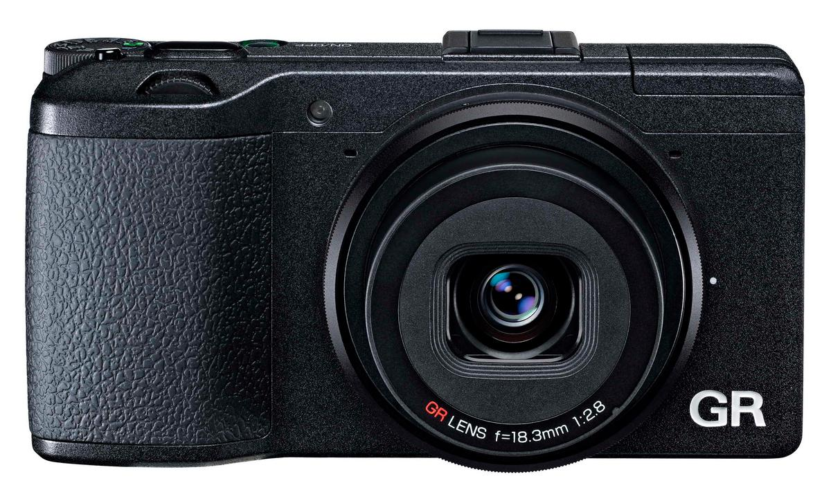 The Ricoh GR features a fixed 18.3-mm F2.8 lens (28-mm equivalent in 35-mm-format) and a large APS-C sensor