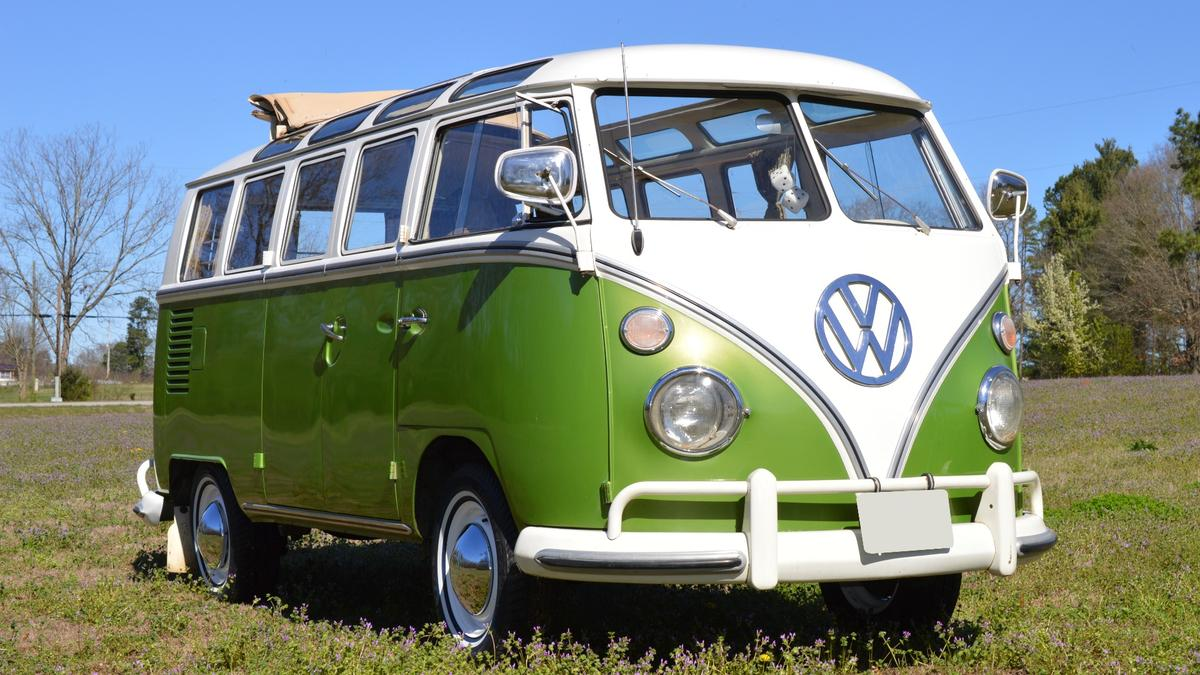 In the last 26 months, Volkswagen Samba vans just like this but without any hit television show provenance have sold for $143,000, $159,500 (twice), $291,500 and $302,500 – can this be another world record in the making?