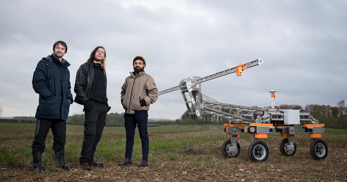"Autonomous farming robot zaps weeds with ""lightning strikes"""