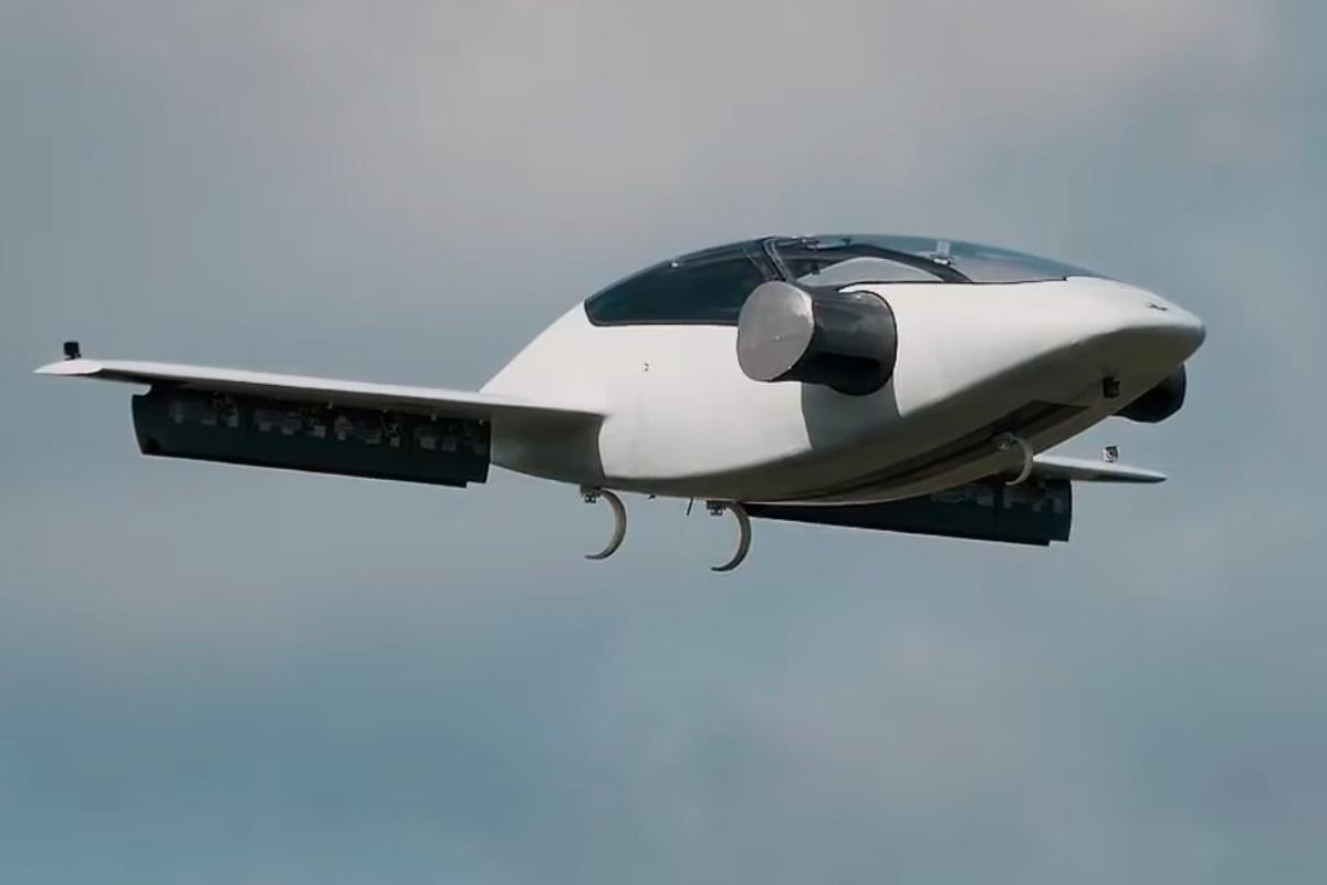 The Lilium jet in action during its maiden flight