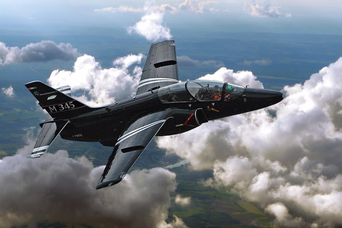 The Aermacchi M-345HET made its first flight on December 29, 2016