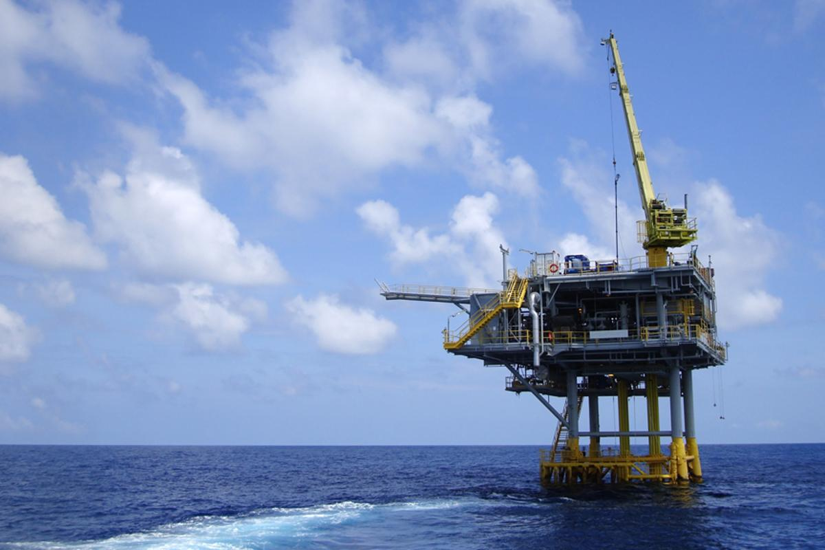 """Hydrate-phobic"" surface coatings could prevent blockages on deep-sea gas and oil wells (Photo: Shutterstock)"