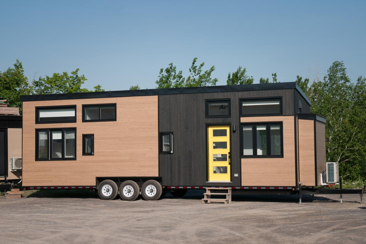 The Magnolia V5 is one of the larger tiny houses on the market and measures 38 x 10.5 ft (11.5 x 3.2 m)