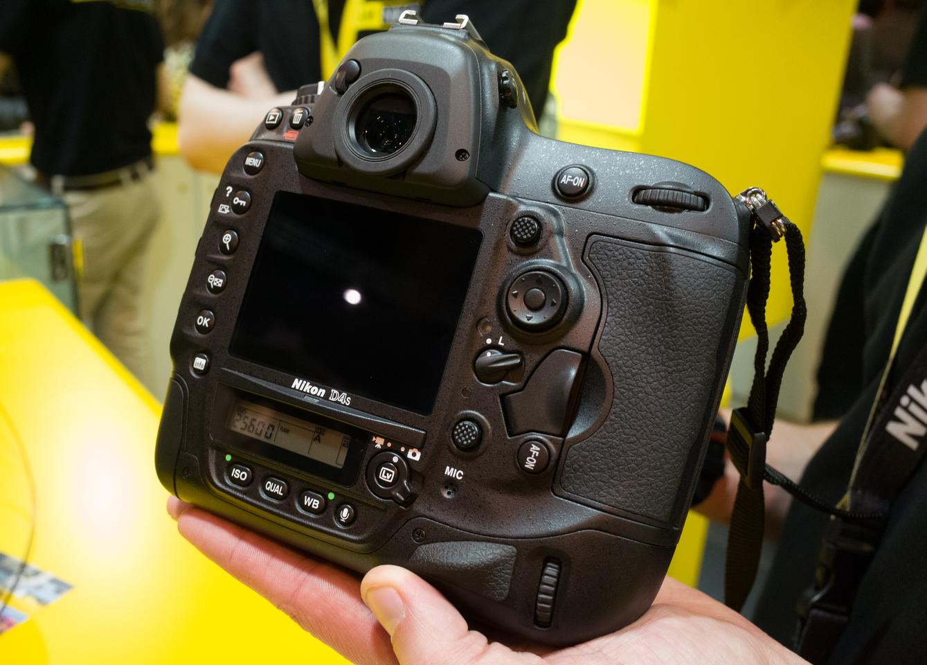 The Nikon D4S has a number of subtle design update to its grips and buttons