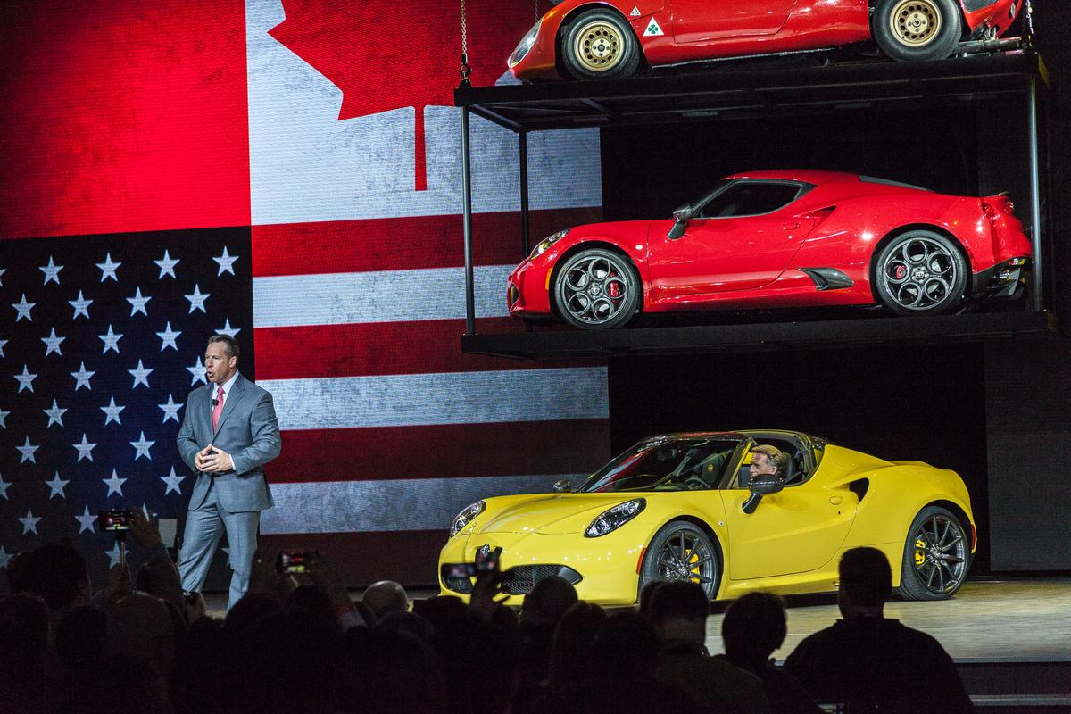 The Alfa Romeo 4C Spider just made its debut at the 2015 Detroit Motor Show (Photo: Loz Blain/Gizmag)