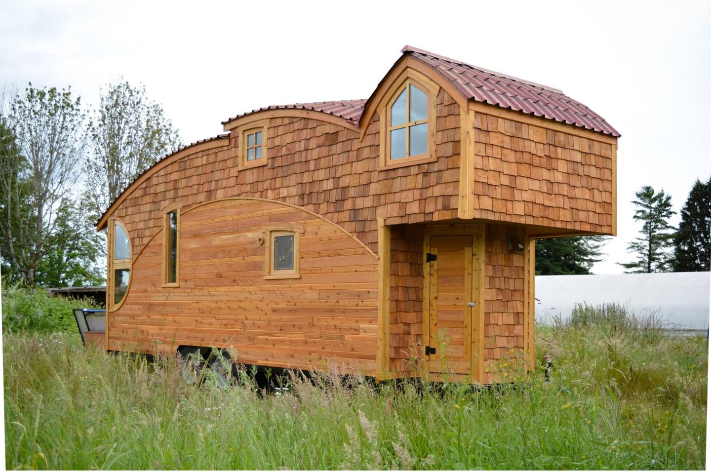 Olympia, Washington-based small living specialists Zyl Vardos recently put the finishing touches to its latest tiny house, the Moon Dragon