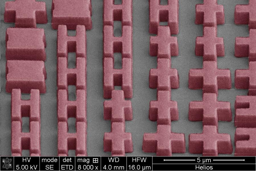 A magnified image of the metalens, showing its microscopic features