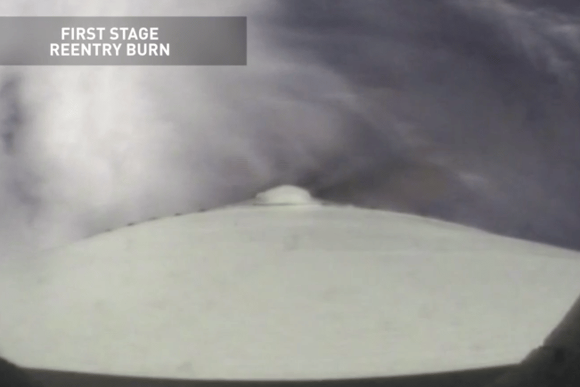 A video has recorded the successful landing of the Falcon 9