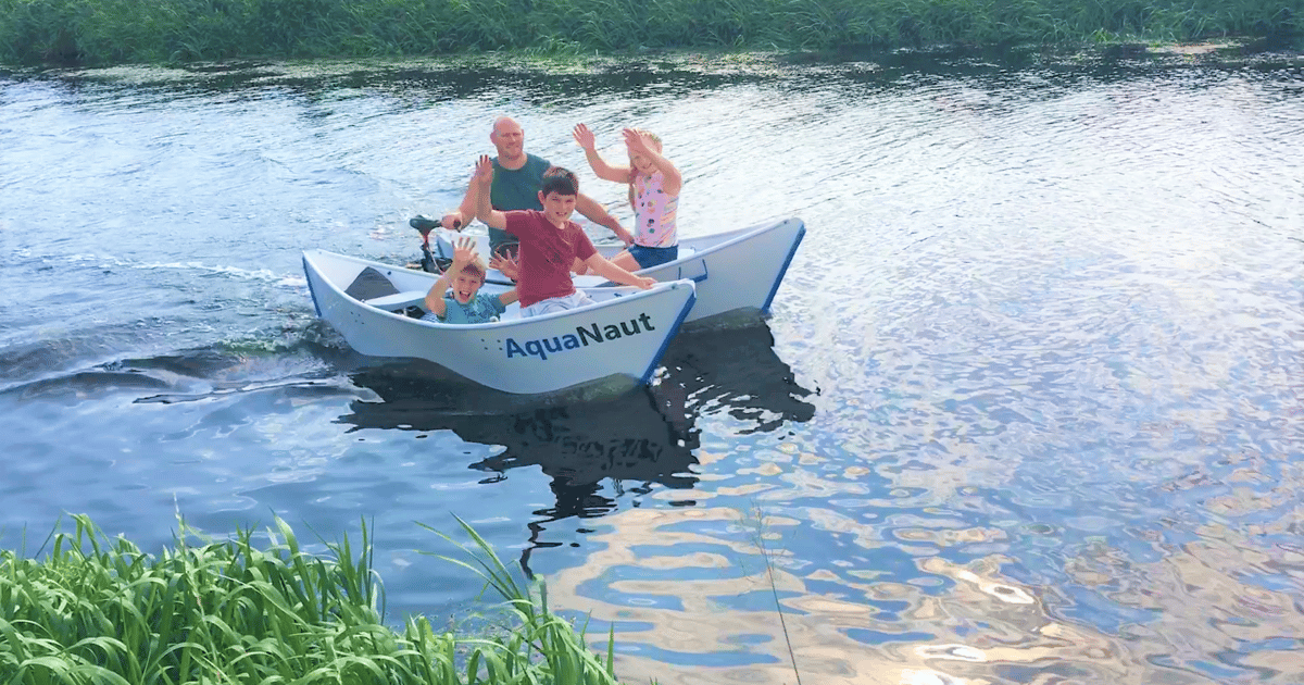 Electric-capable boat folds flat for transit and storage