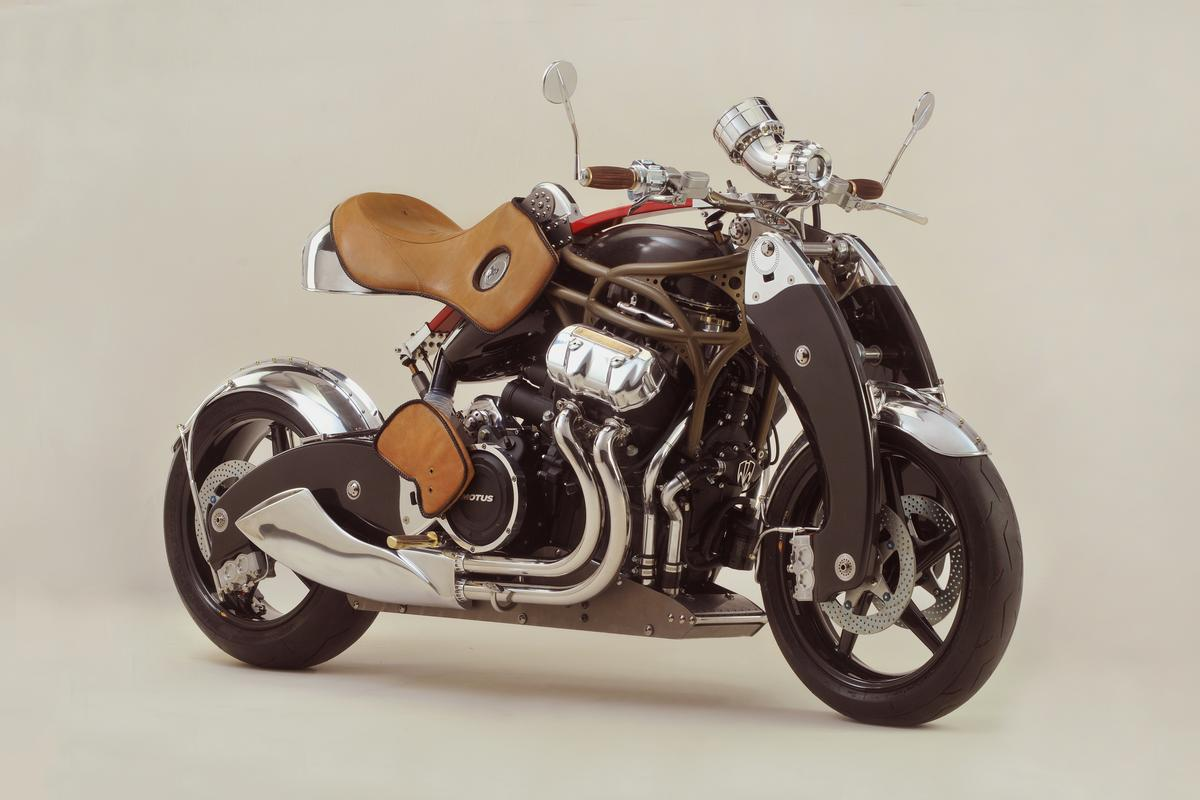 Bienville Legacy: Leather, wood and brass at all the points where rider and bike meet
