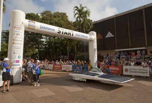 The 2011 World Solar Challenge features 37 teams from 20 countries