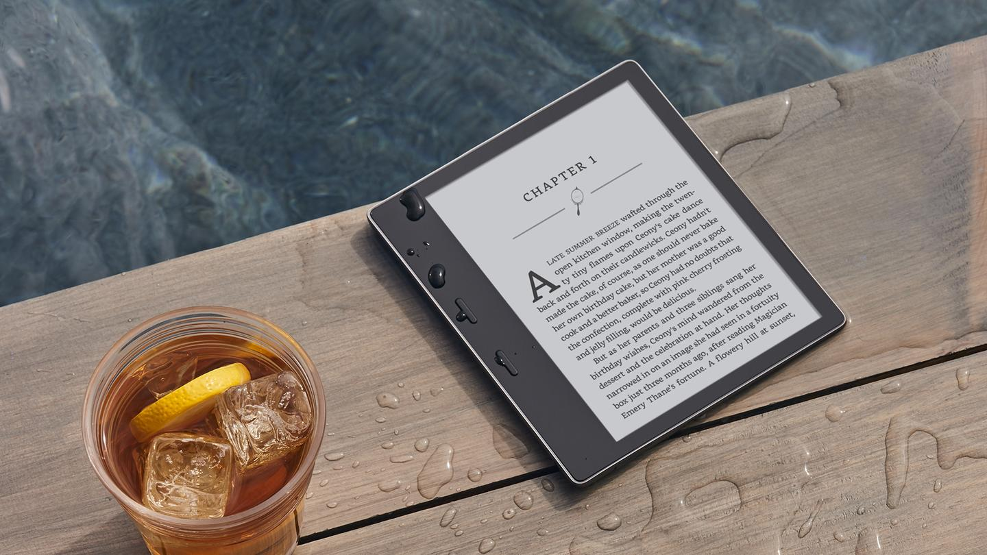 The 2017 Kindle Oasis keeps the name but adds more screen space
