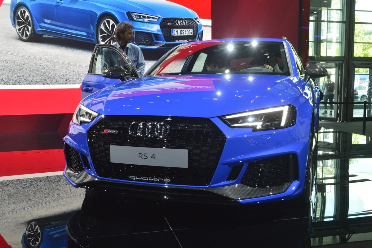 The RS 4 on show at the Frankfurt Motor Show