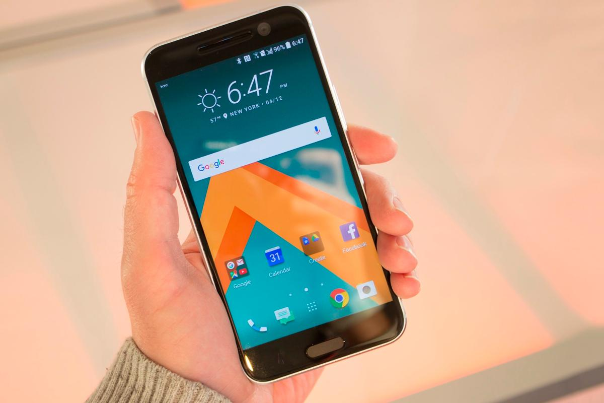 The HTC 10 has an all-metal back, 5.2-inch Quad HD screen and built-in HiFi audio