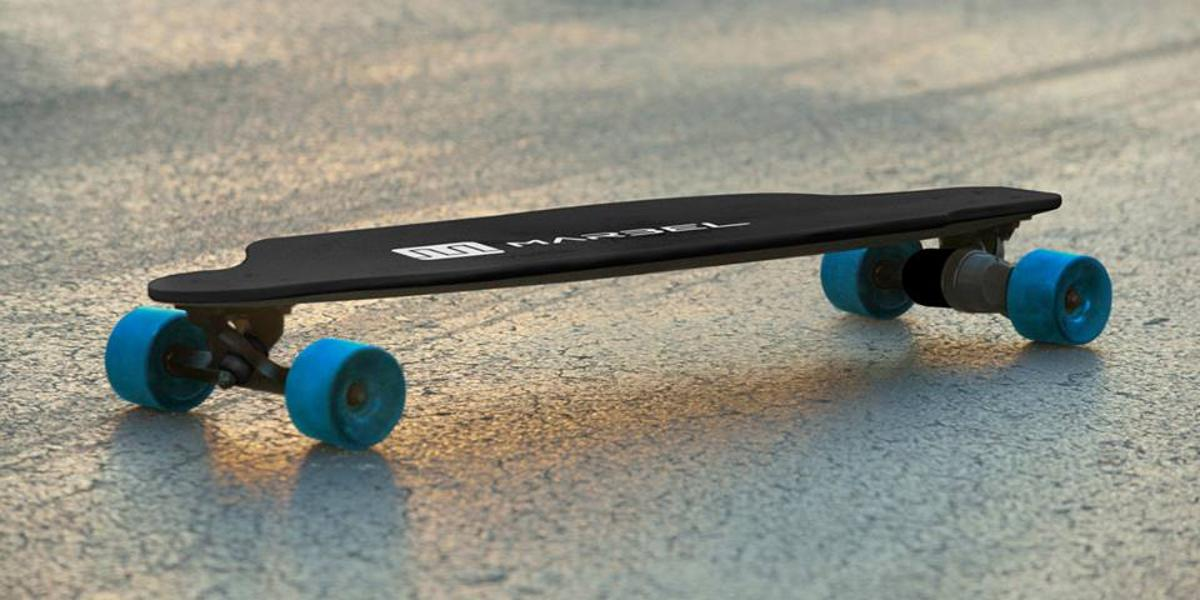 Marbel uses a lithium-ion battery and a Kevlar and carbon fiber composite deck to keep its weight under ten pounds (4.5 kg)