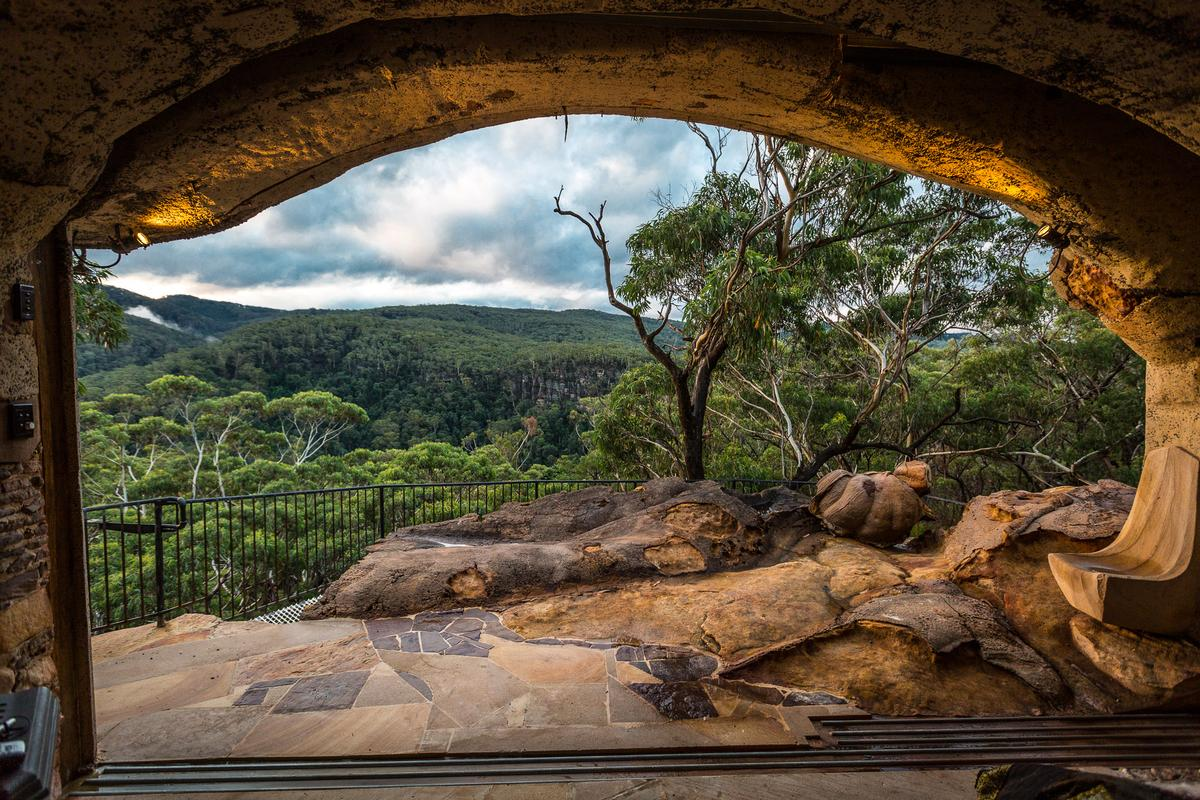 Clifftop Cave: The Blue Mountains offer exquisite views (Photo: Loz Blain/Gizmag.com)