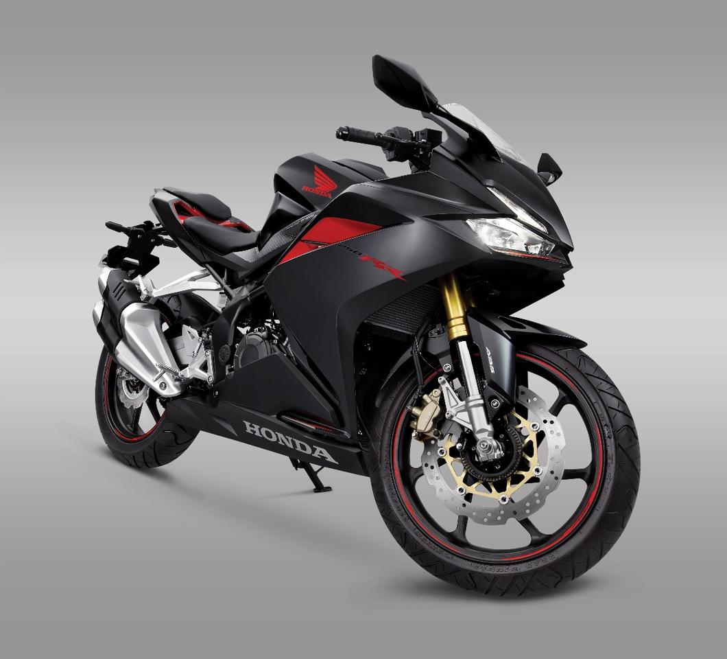 Honda's new CBR250RR: a brand new design focused on light weight, compact dimensions and high performance